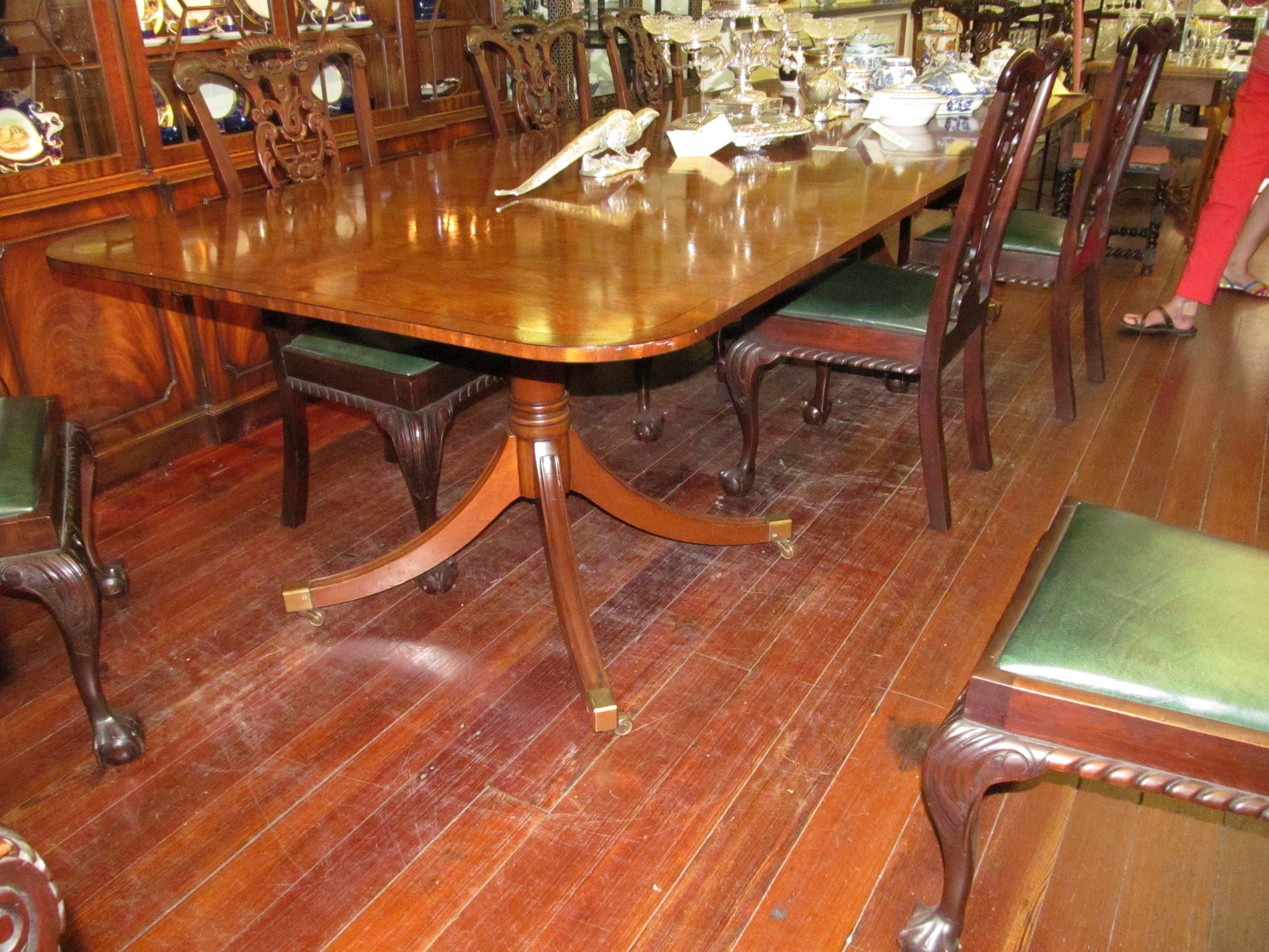 sheraton style  pedestal dining table